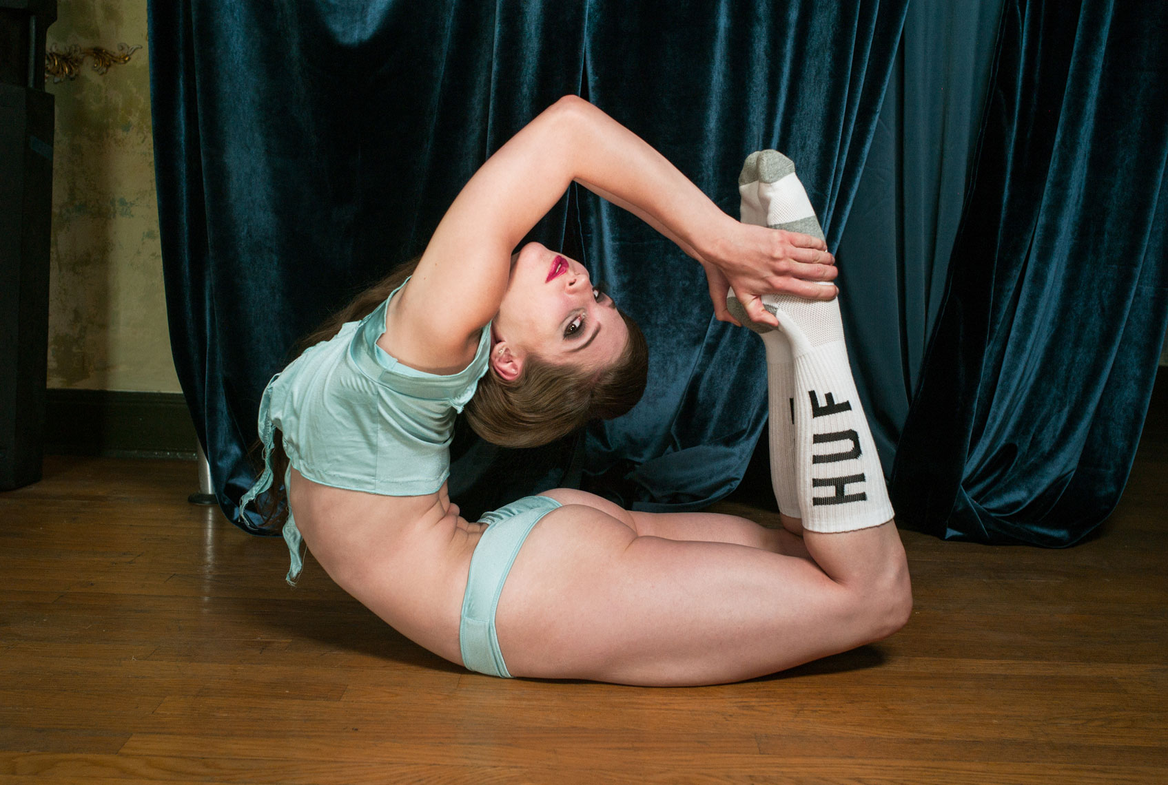 HUF_Contortionist2